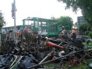 rubbish-pile-and-lorry