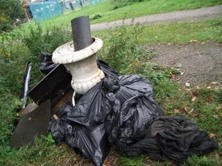 urn and rubbish