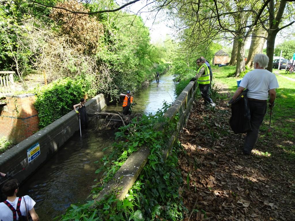 Beedington Park Clean up and HB bash 8 May 2016 (40)